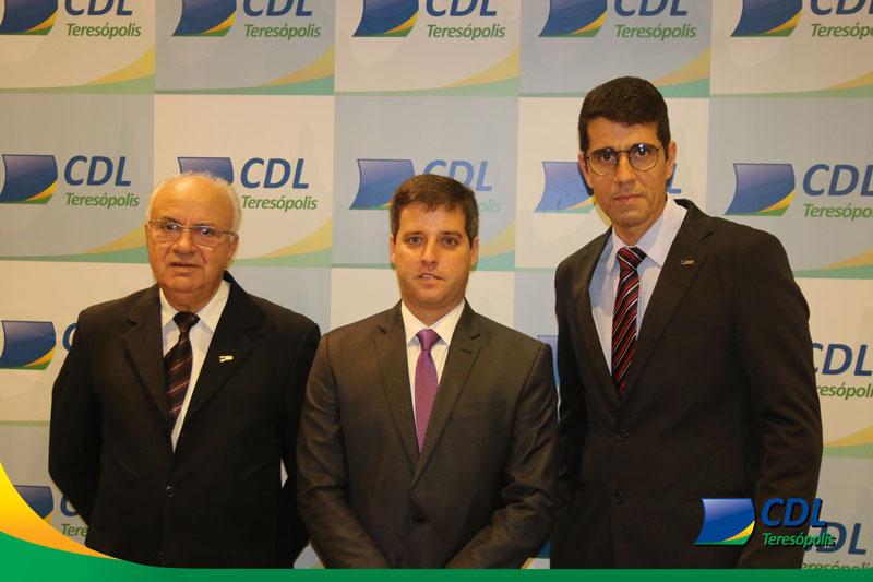 CDL dá posse à nova diretoria